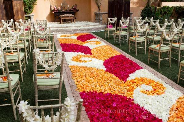 Amazing Petal Aisles By Events By Showstoppers Flirty