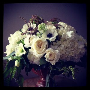 white flower centerpiece for wedding