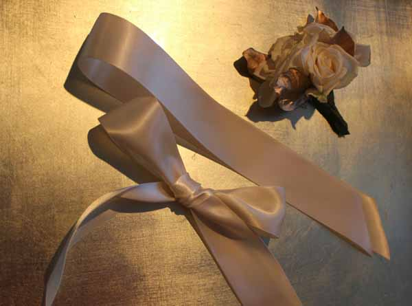 ribbon bow for a wristlet corsage
