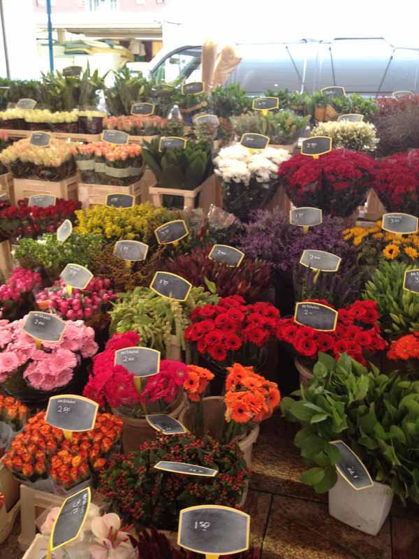 flower market display