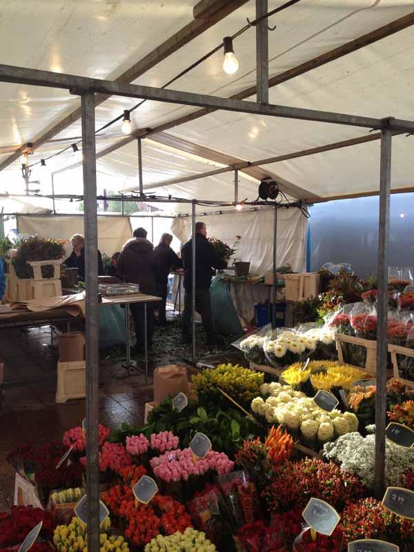 flower market in hoofddorp